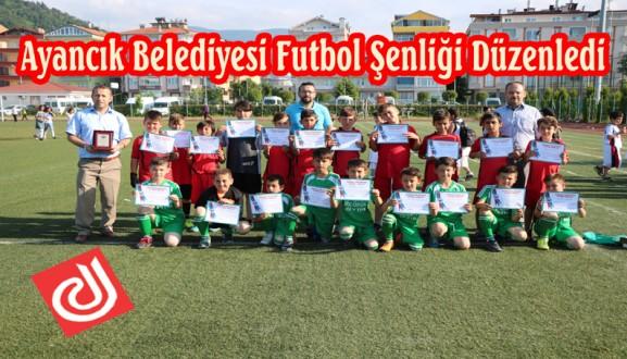 Ayancık Belediyesi tarafından 7-11 yaş arası Futbol Şenliği Düzenlendi