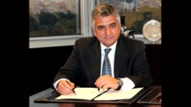 CARMEDYA.COM - 20 Ocak 2012 tarihinden bu yana TOFAŞ Türk Otomobil Fabrikası A.Ş.'nin CEO'su olan Kamil Başaran 3 yıllık görev süresini tamamladı ve CEO'luk görevini Cengiz Eroldu'ya devretti.