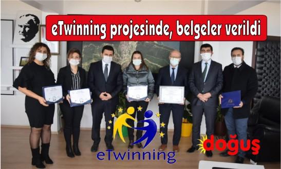 eTwinning projesinde başarılı olan öğretmenlere belgeleri verildi